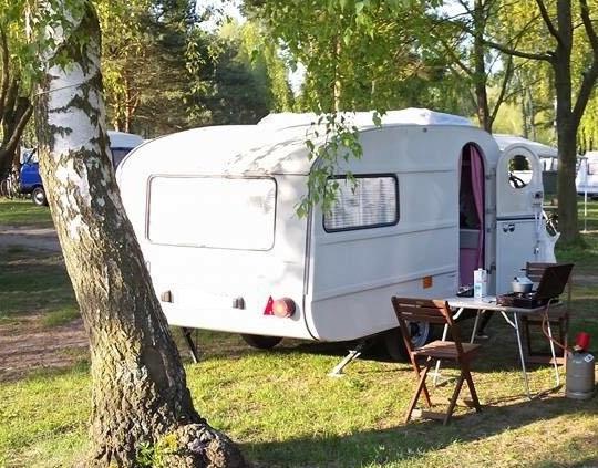 vermietung und verleih von wohnwagen und campinganh nger. Black Bedroom Furniture Sets. Home Design Ideas